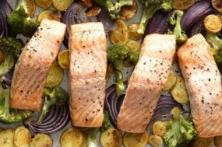 Easy and Delicious Salmon, Quinoa and Veggies Recipe