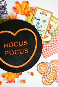 Halloween Candy Heart Wall Hanging - Hocus Pocus