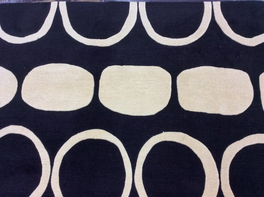 Contemporary 6 x 8 Black, Ivory Rug #10892