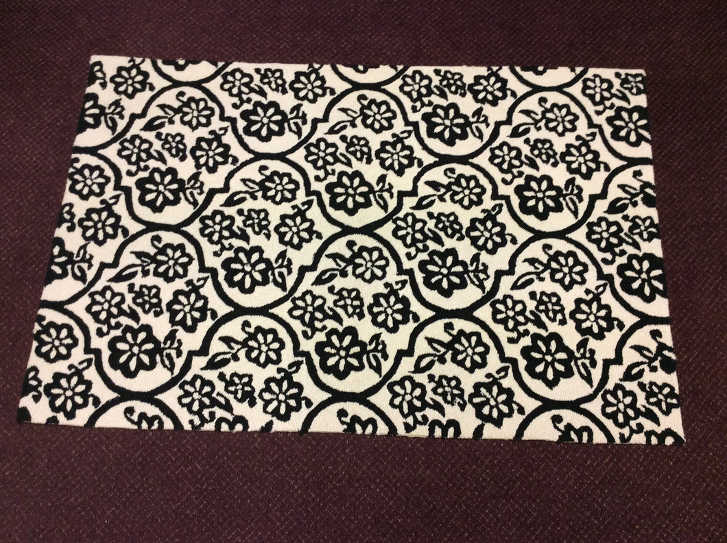 4 x 6 India Contemporary Ivory Black #67477
