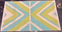 Load image into Gallery viewer, 3 x 5 India Kilim Green, Blue #67616