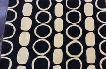 Load image into Gallery viewer, Contemporary 6 x 8 Black, Ivory Rug #10892