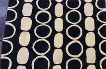Load image into Gallery viewer, Contemporary 5 x 8 Black, Ivory Rug #10892