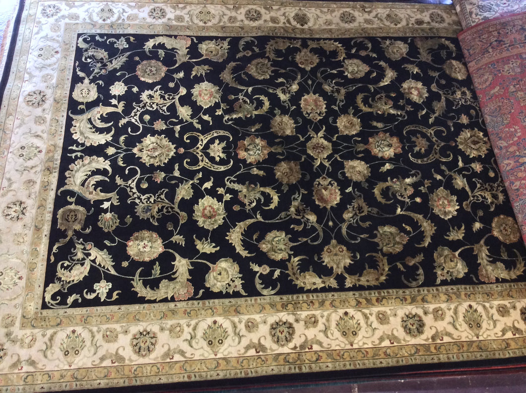 Traditional 12 x 18 Black, Ivory Rug #46161