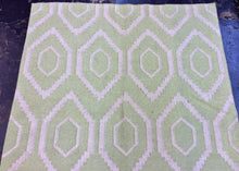 Load image into Gallery viewer, 4 x 6 India Kilim Green #67666