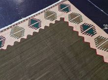 Load image into Gallery viewer, Kilim 6 x 8 Green, Beige Rug #9842