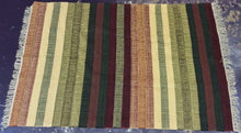 Load image into Gallery viewer, Kilim 6 x 9 Green, Red Rug #3578
