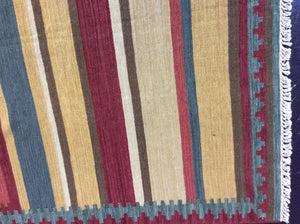 Kilim 9 x 12 Multi-Color Rug #28555