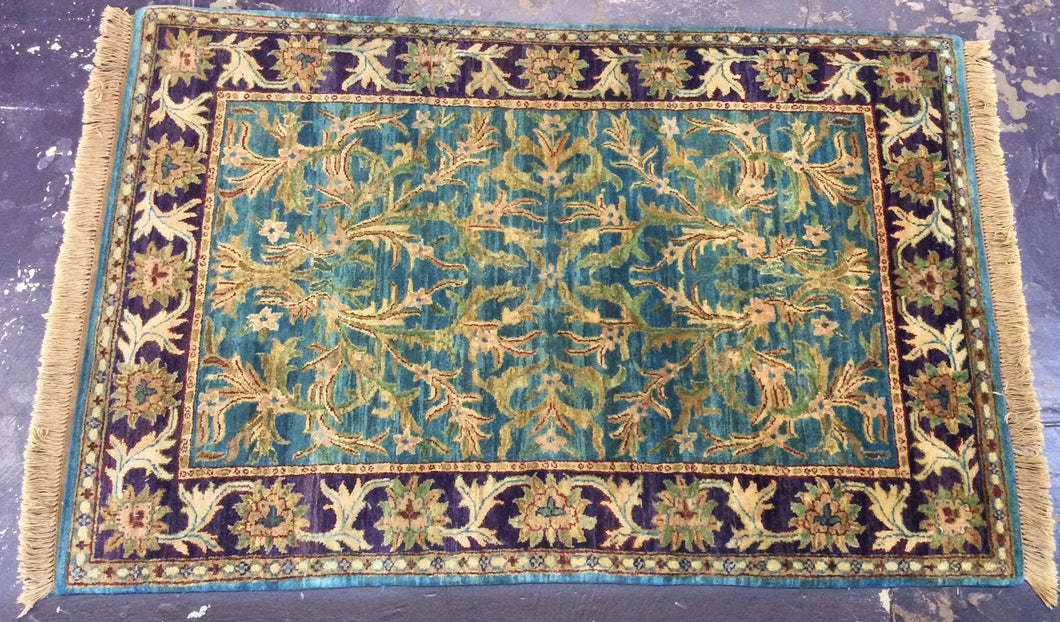 Traditional 4 x 6 Blue, Purple Rug #731