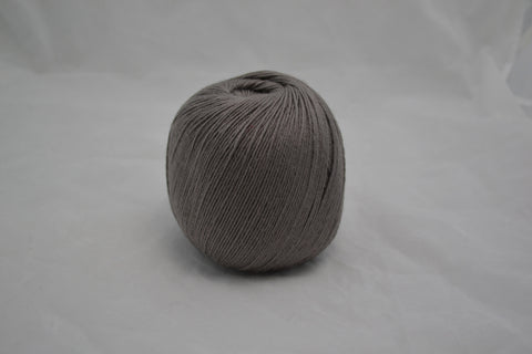 80% Merino 20% Cashmere, fingering wt., Feather Gray, 100 grams