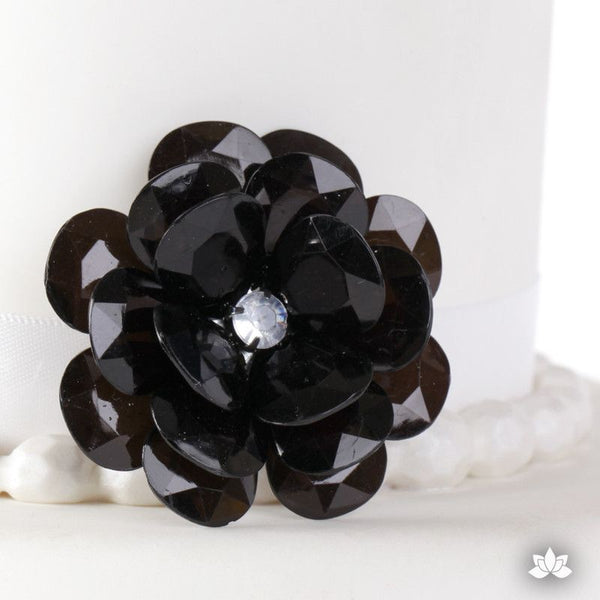 Decorative Flower Buttons for cake decorating fondant cakes and wedding cakes.  Perfect for cupcake toppers or cake toppers.  Only $1.  Cake decorating supplies.
