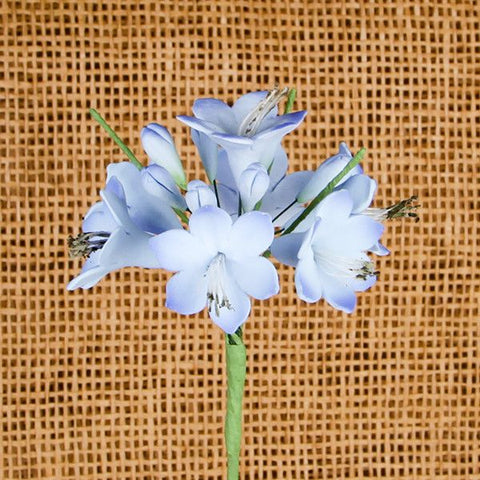 Agapanthus Bunches are gumpaste sugarflower cake decorations perfect as cake toppers for cake decorating fondant cakes and wedding cakes.  | CaljavaOnline.com