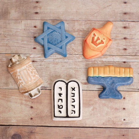Hanukkah cupcake toppers perfect for jewish hanukkah cupcakes & cakes.