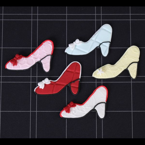 High Heels edible cupcake toppers perfect for girls cakes. Wholesale cupcake supply. caljavaonline