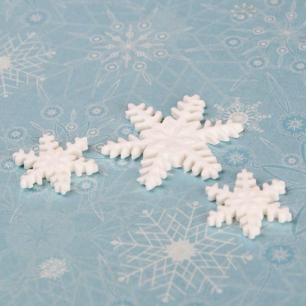 Edible Fondant Snowflakes CupCake Toppers perfect for christmas cakes & cupcakes.