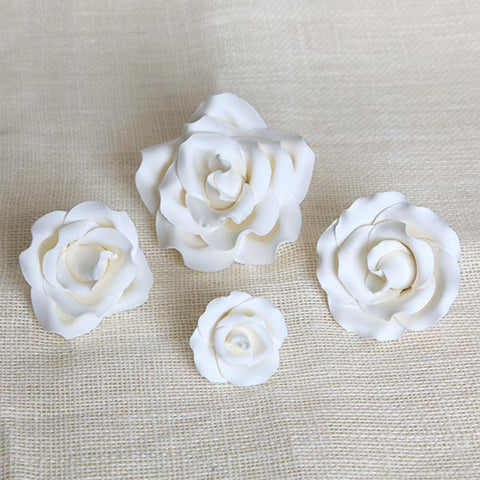Mixed Size Garden Roses - White