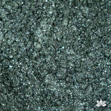 Holiday Green Luster Dust colors for cake decorating fondant cakes, gumpaste sugarflowers, cake toppers, & other cake decorations. Wholesale cake supply. Bakery Supply. Lustre Dust Color.