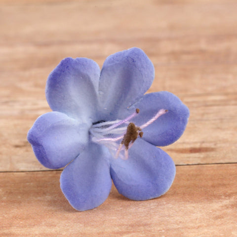 Edible Blue Agapanthus Blooms sugar flower cake toppers and cake decorations perfect for cake decorating rolled fondant wedding cakes, cupcakes and birthday cakes and cupcakes.  Edible Cake Decoration and wholesale cake supplies.