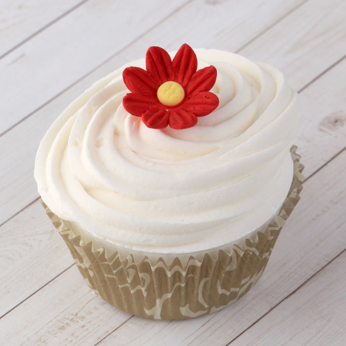 Sugar Daisy Flowers great for decorating cupcakes and cakes.  Edible topper readymade cake decoration.
