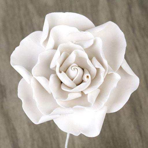 White Gumpaste Gardenia Sugarflower edible cake decoration perfect for cake decorating fondant cakes & wedding cakes. Cake supply. Wholesale sugarflowers