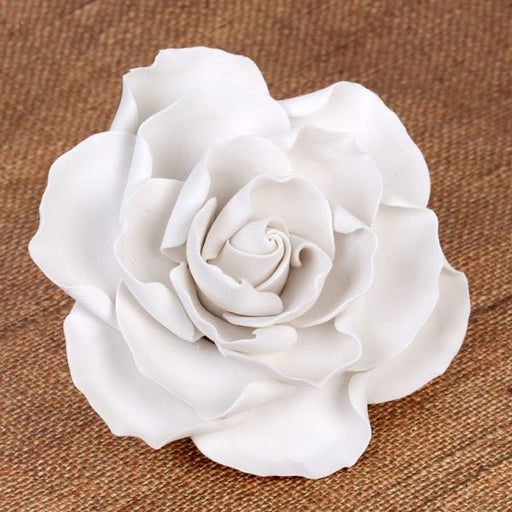 White Gumpaste Gardenias Sugarflower edible cake decoration perfect for cake decorating fondant cakes & wedding cakes.  Cake topper.  Wholesale sugarflowers