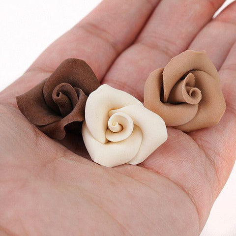 Modeling Chocolate perfect for shaping into edible figures, shapes and flowers for cake decorating.  Also great for edible sculpting.