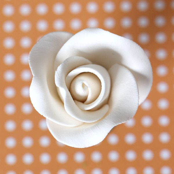 Gumpaste Rose Sugarflower cake decoration perfect for cake decorating fondant cakes and wedding cakes. Wholesale Cake Supply. Wholesale sugarflowers.