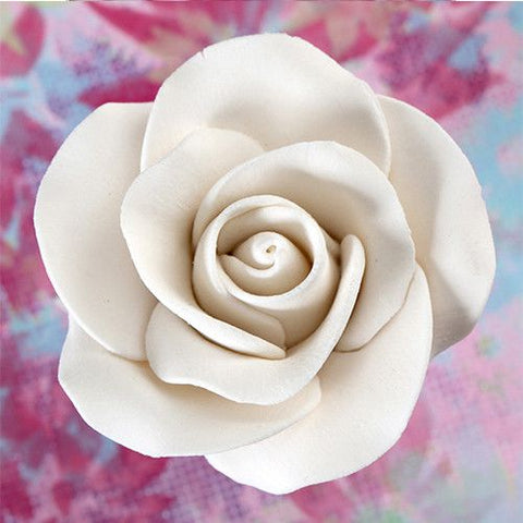 8 Medium Tea Roses - White