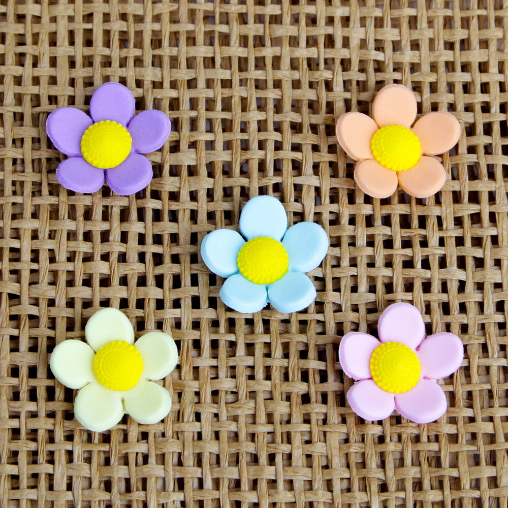 Mixed Colors of medium gumpaste flower blossom cake decorations perfect for decorating cakes and cupcakes.