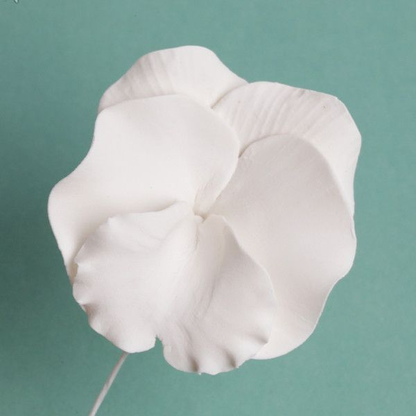 White Pansies Gumpaste Sugarflower edible cake decoration perfect for adding on top of your cakes and cupcakes.