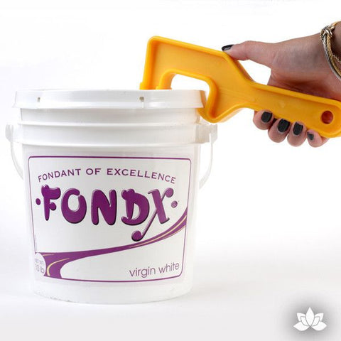 Fondant Pail Opener to make opening your FondX Pail easy.  Perfect for any cake decorator for cake decorating fondant cakes & wedding cakes. Fondant tool