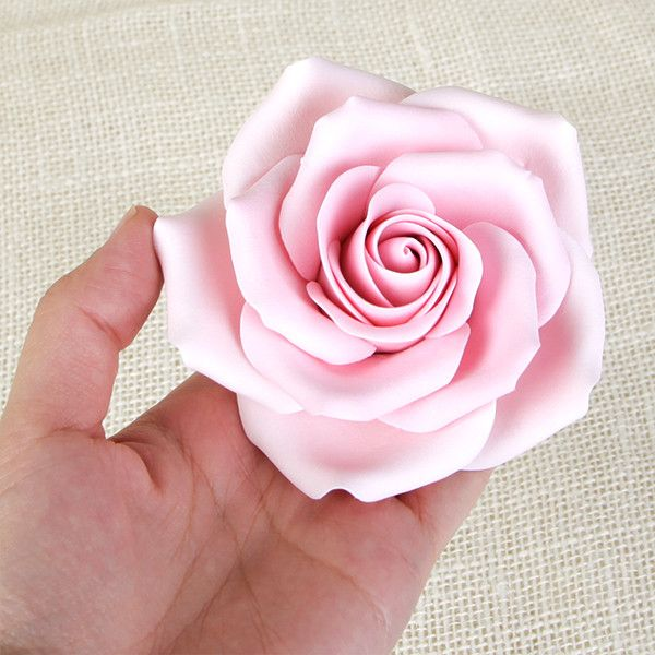 Readymade by hand from gumpaste, this pre-wired Pink Chantilly Rose can be easily placed on cakes and offer a way of decorating hassle free for both professional and amateur decorators.