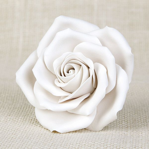 Readymade by hand from gumpaste, this pre-wired White Chantilly Rose can be easily placed on cakes and offer a way of decorating hassle free for both professional and amateur decorators.