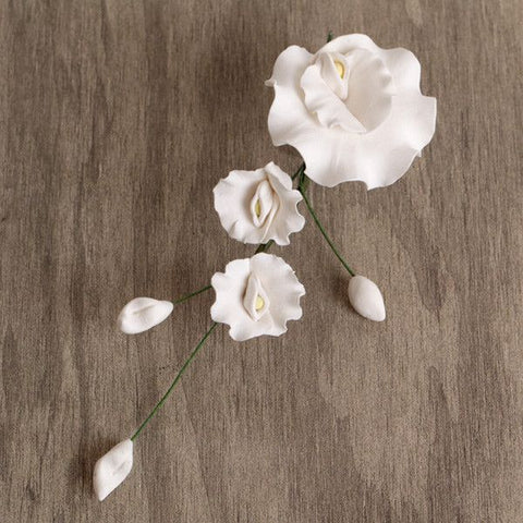 White Gumpaste Sweet Pea Filler sugarflower cake decorations perfect for cake decorating fondant cakes and cupcakes.  Wholesale sugarflowers. Caljava