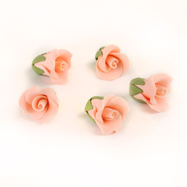 Edible Gumpaste Peach Tiny Roses No Wire sugar flower cake toppers and cake decorations perfect for cake decorating rolled fondant wedding cakes, cupcakes and birthday cakes and cupcakes.  Edible Cake Decoration and wholesale cake supplies.
