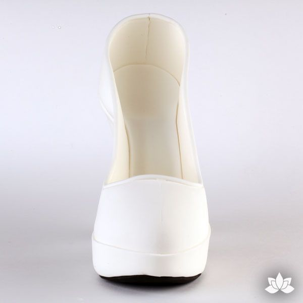 White Fondant Heel cake topper perfect for cake decorating fondant cakes & brides cakes. Caljava