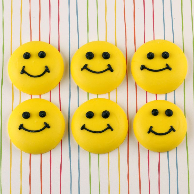 Cupcake Decorating Ideas Smiley Faces : Smiley Face Royal Icing Decorations   CaljavaOnline