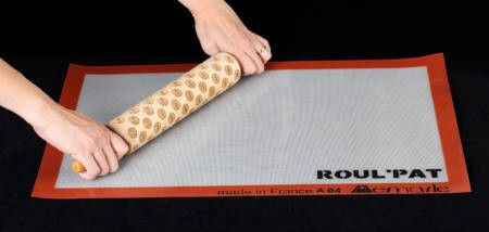 Small Fondant Mat from Roul Pat