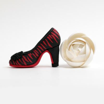 Mini Fondant High Heel Shoe cake topper perfect for cake decorating fondant cakes & brides cakes. Caljava