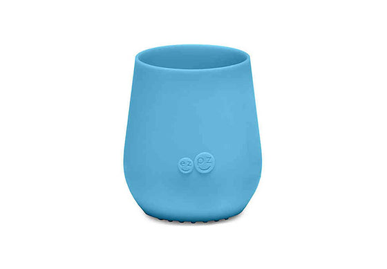 ezpz-tiny-cup-silicone-blue-transition-drinking-cup-image