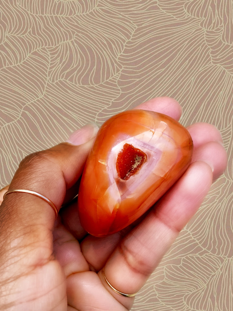 CARNELIAN: APRIL'S HEALING CRYSTAL