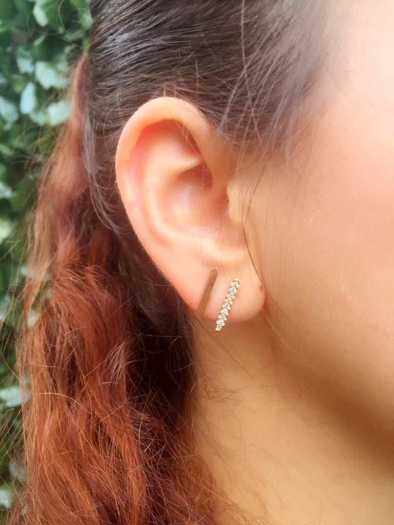 Zion 14K Gold Bar Pointe Stud