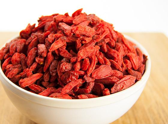 Raw Organic Goji Berries by Sunfood
