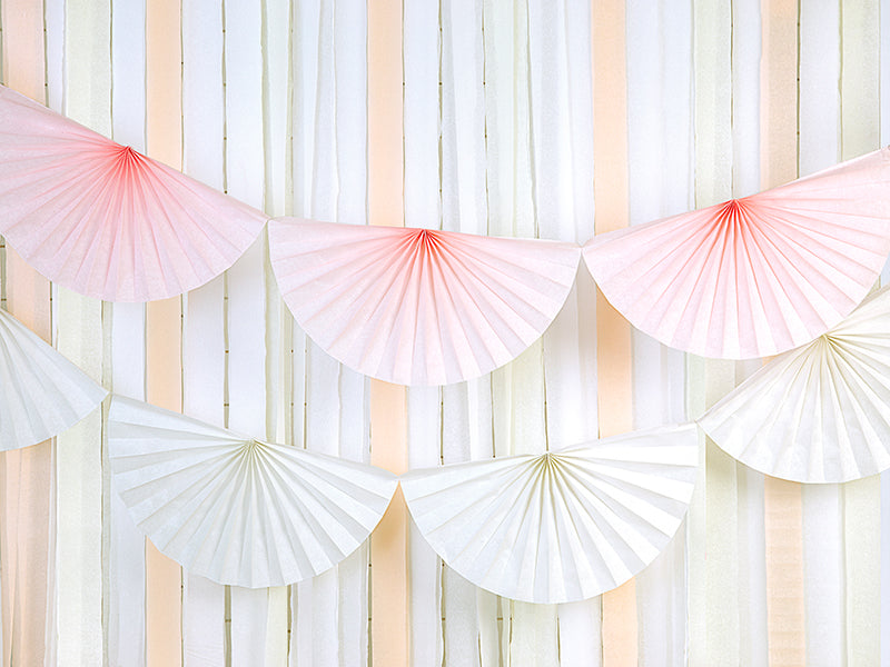 White Tissue Fan Garland (3m)