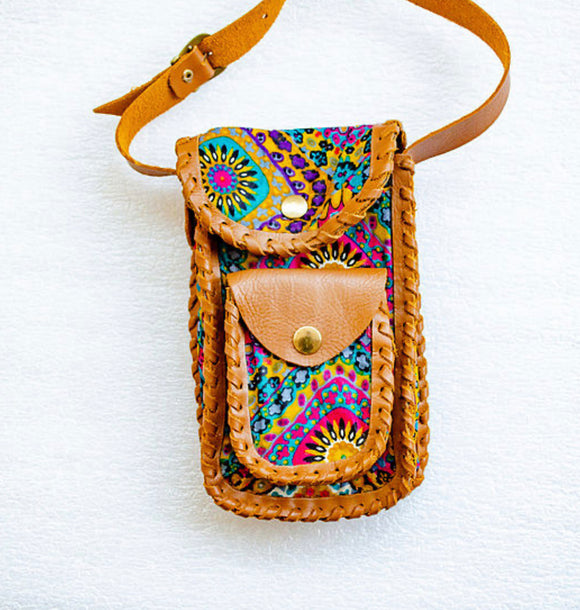 Thuli crossbody cellphone pouch-Localizedrsa -Enhance your RSA online shopping experience with localizedrsa, with 10 shopping departments to choose from!-Buy online in South Africa-www.localizedrsa.co.za