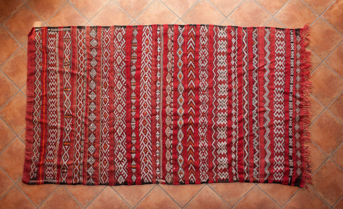 Handmade Red Zemmour rug with Sequins // 5ft 6in x 8ft 10in