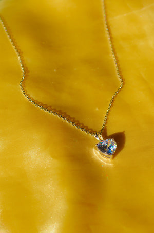 Load image into Gallery viewer, AMOR SILVER HEART NECKLACE