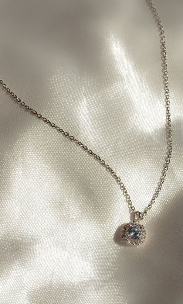 SILVER ICY CRYSTAL NECKLACE