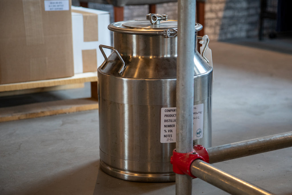Temporary storage for gin during the gin making process