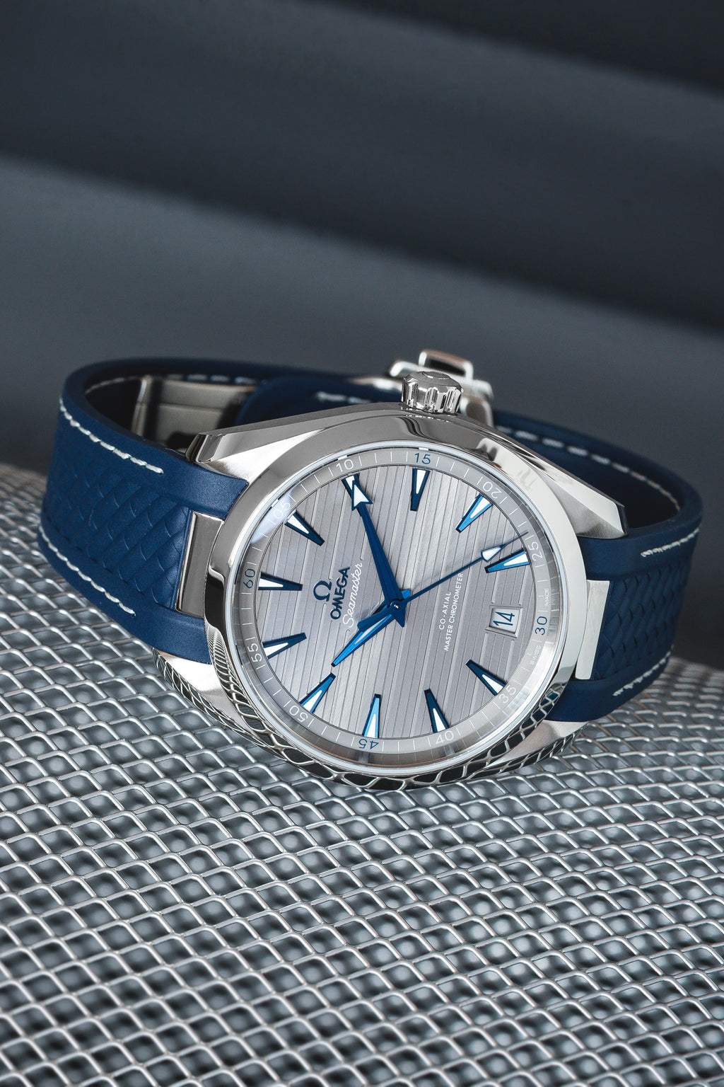 OMEGA Seamaster Aqua Terra 220.12.41.21.06.001 150M Co-Axial Master Chronometer 41mm – Grey Dial/Rubber Strap